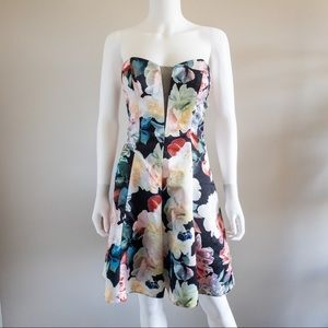 Cachet Strapless Floral Strapless Formal Dress